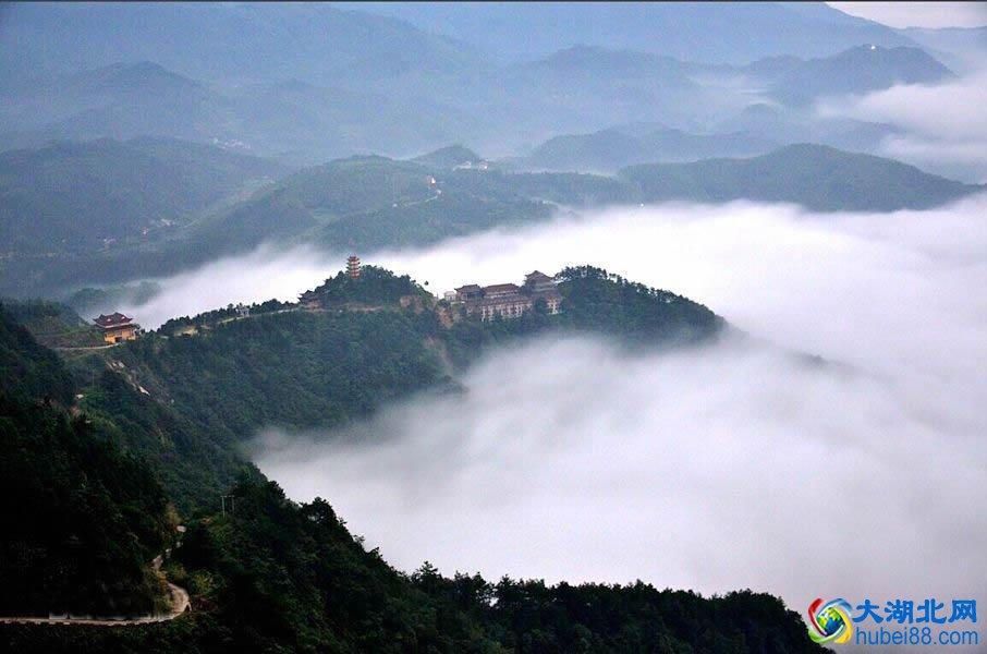 大别山介绍 湖北十大旅游景点之大别山