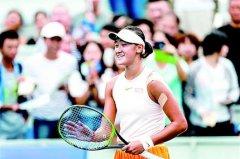 武汉网球公开赛开放日首日 两千余球迷到场观赛