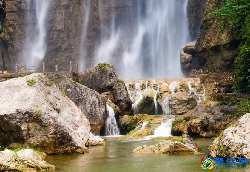 三峡白果树瀑布游玩攻略 白果树瀑布景点介绍/门票详情