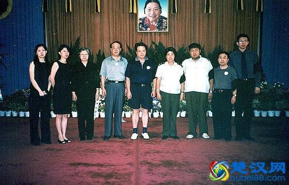 张文秋生平介绍 一生的婚姻与革命相关