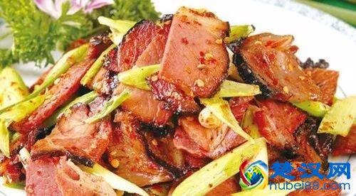 恩施�广椒炒腊肉的做法,舌尖的美味盛宴�广椒炒腊肉