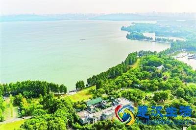 海绵型湿地杨春湖公园向游客开放